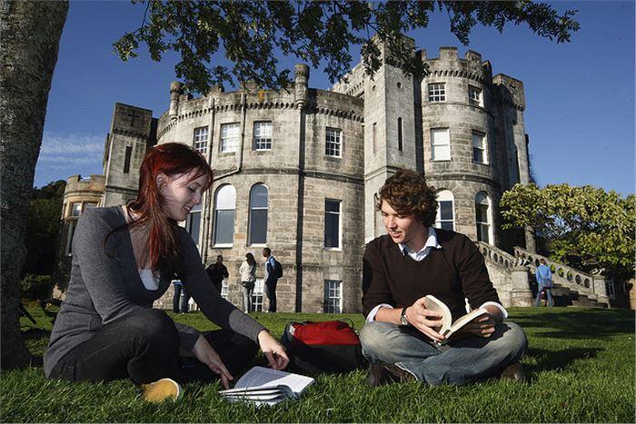 Đại học Stirling – Trải nghiệm thành phố hấp dẫn nhất Scotland
