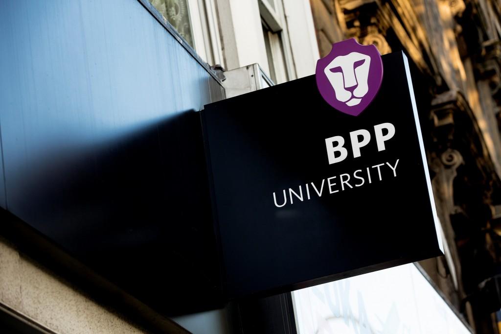 Học-bổng-Phó-hiệu-trưởng-đến-từ-đại-học-BPP-Anh-quốc