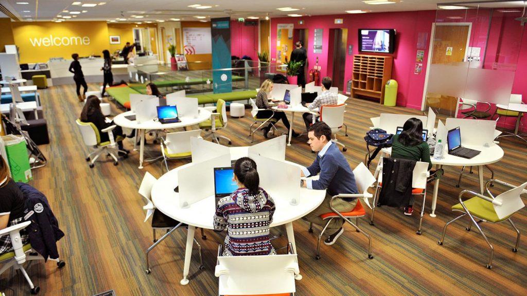 NUL-students-using-facilities-hero