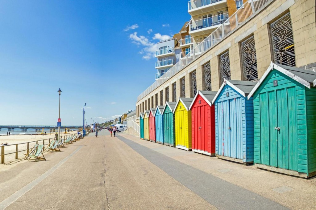 bournemouth-beach-huts-35163256900-o